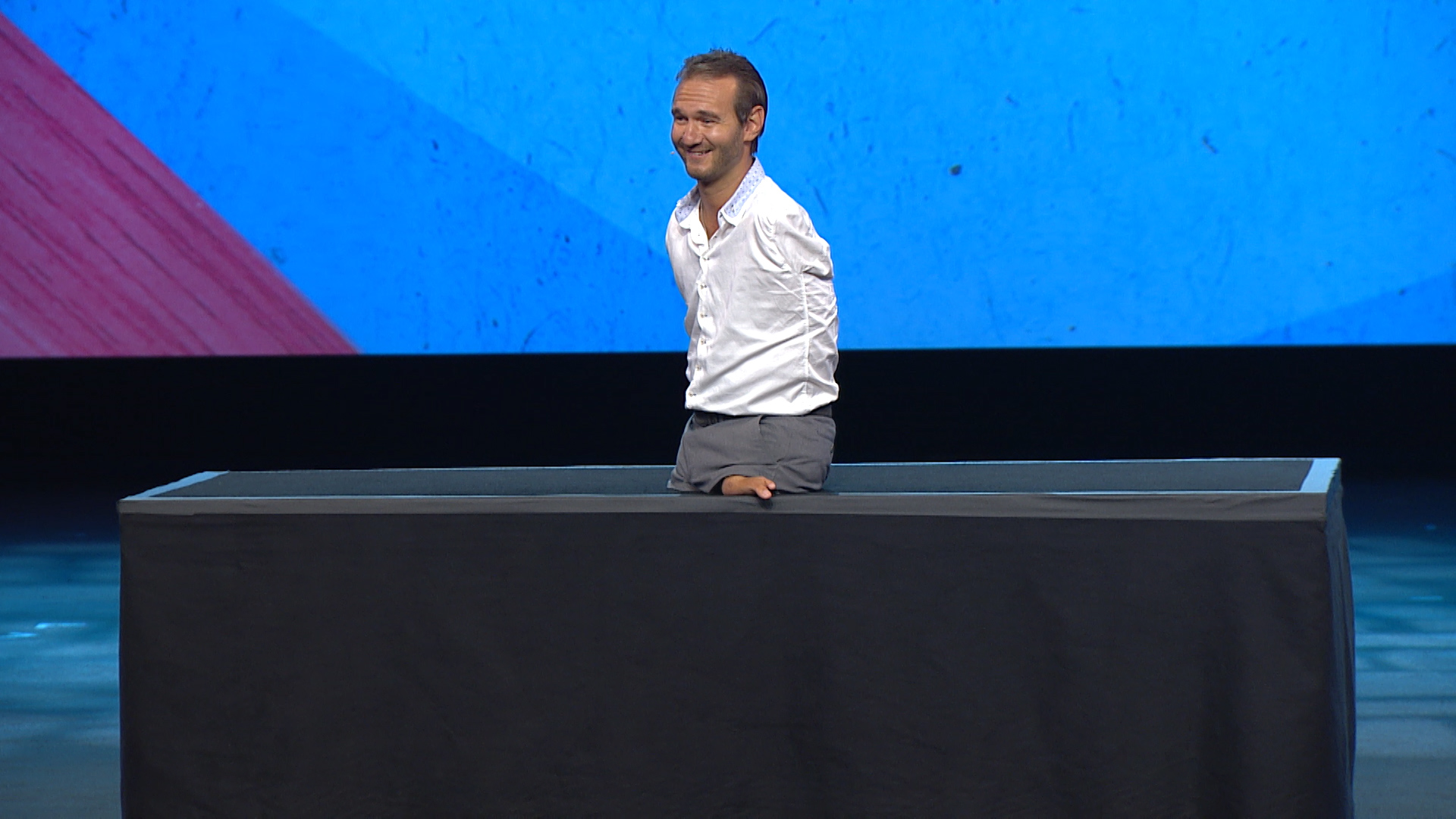Nick Vujicic, limbless motivational speaker, fathers ...